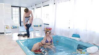 Natty MILF babe Dana Dearmond sucks dick roughly the pool